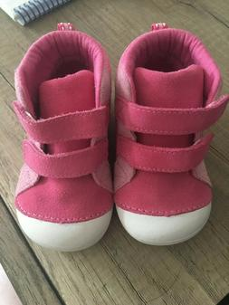 Stride Rite 6W Baby/Toddler Girls Shoes